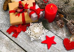 Karácsonyi dekor ajtódísz gyanánt, vagy ablakba némi kreatívitással