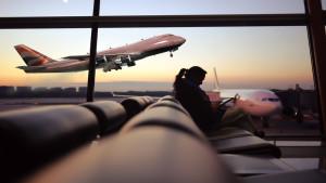 Várakozni kell a reptéren Így is eltöltheted!