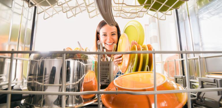 Háztartási kisokos 4. – Milyen mosogatógépet válasszunk?