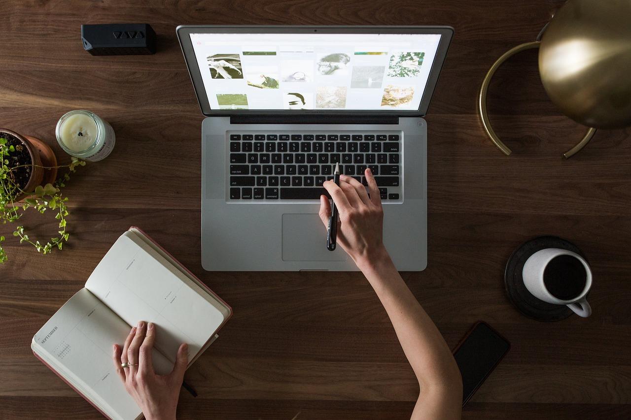 Háztartási kisokos 7. – Milyen laptopra van szükségünk?