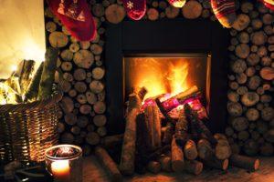 Hangulatos fűtés: legyen a nappali éke a cserépkályha és a kandalló