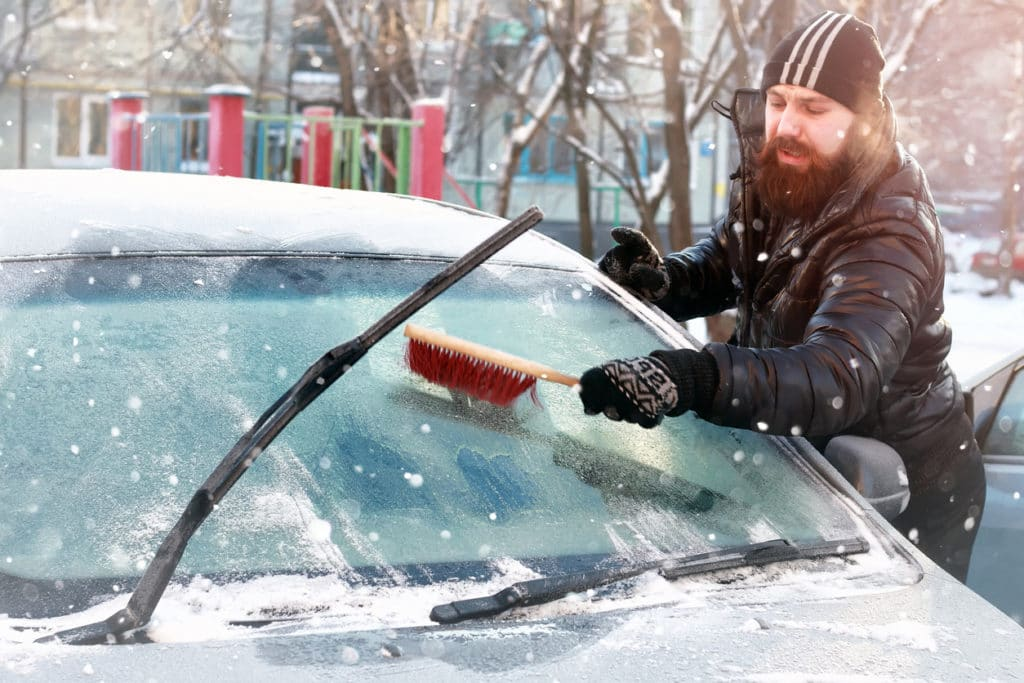 autó jégtelenítés