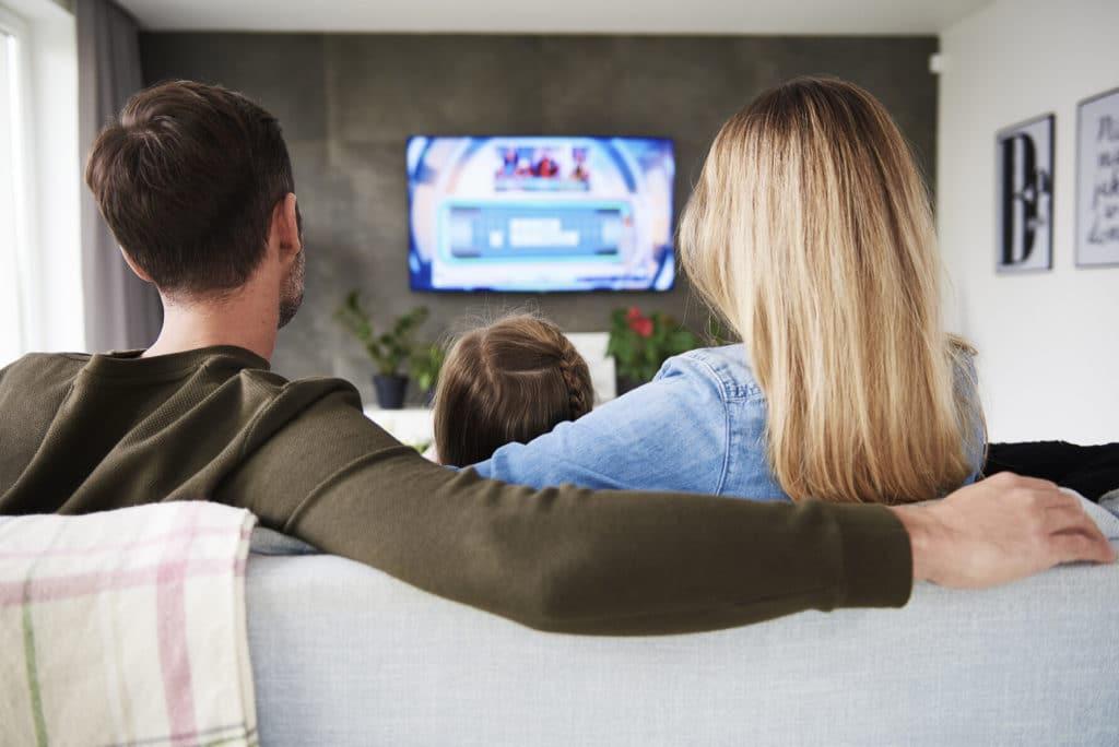 Közös TV-zés a családdal