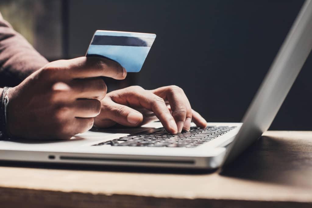 Online vásárlás kockázat nélkül bankkártyával