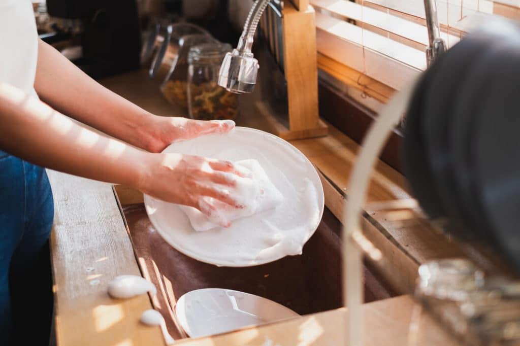 Víztakarékos mosogatás