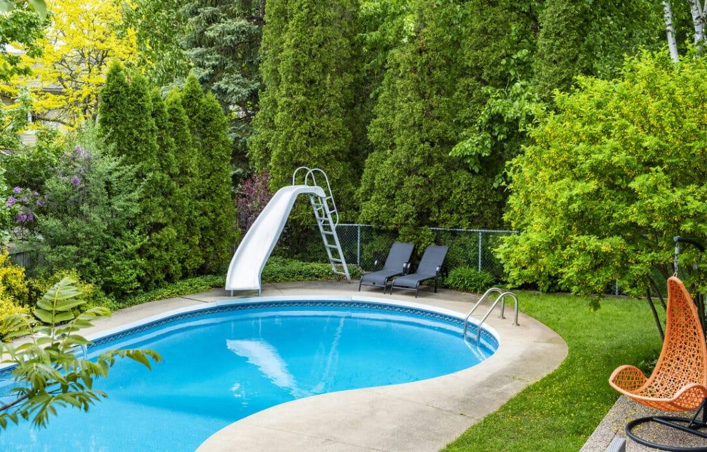 Épitett medencék otthonra