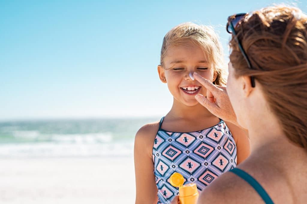 Naptej és fényvédő használata kötelező nyáron!