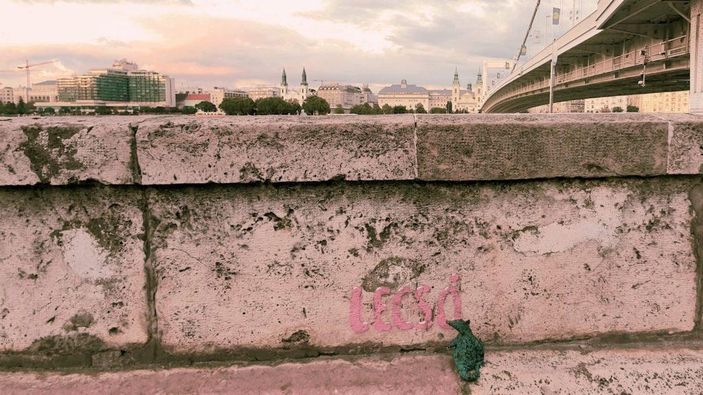 Kolodko szobor az Erzsébet híd mellett